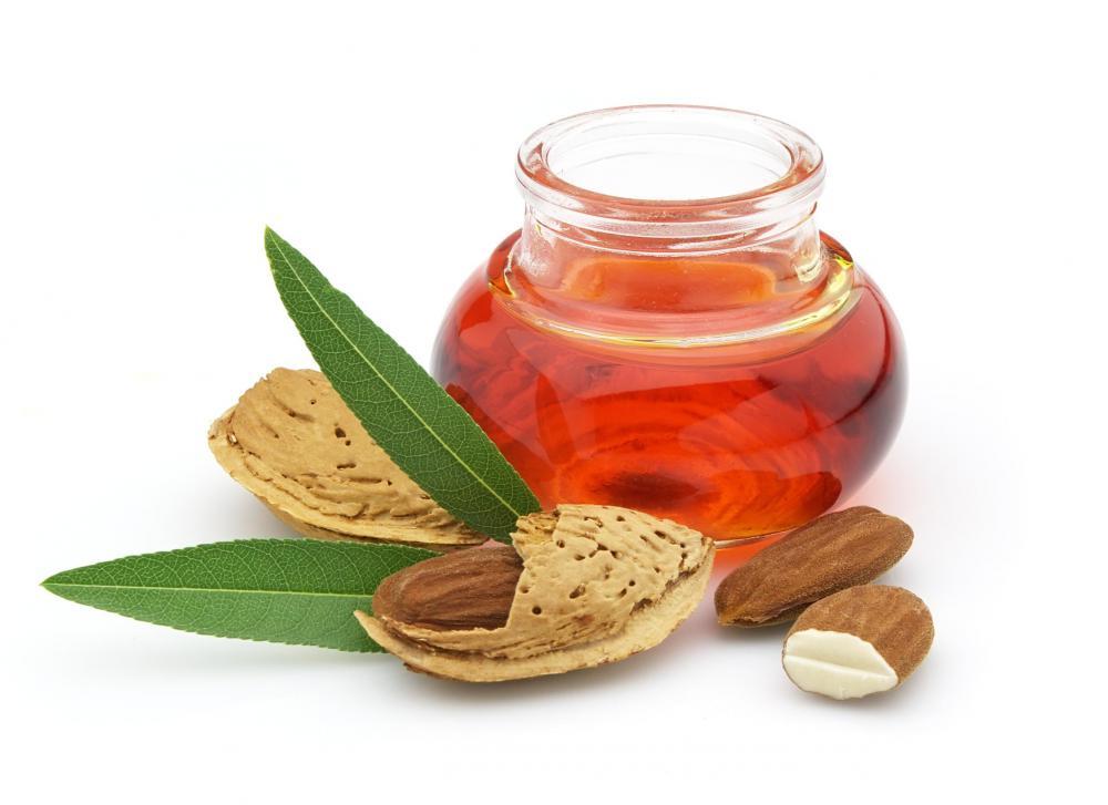 Almond oil eye