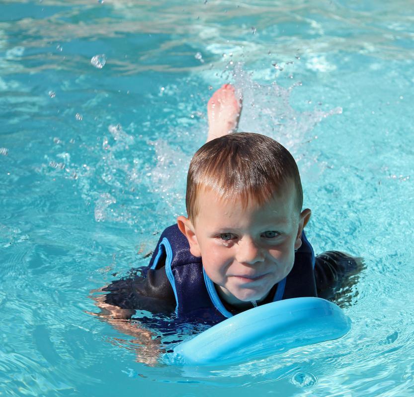 child swimming - photo #21