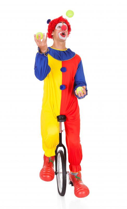 жонглирующий клоун на колесе картинка этом номере