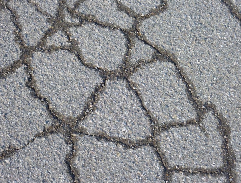 Small Asphalt Repair i Repair Cracked Asphalt