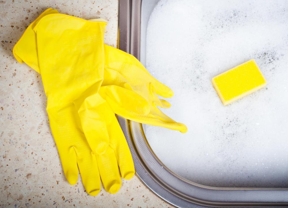 Dishwashing liquid and gloves
