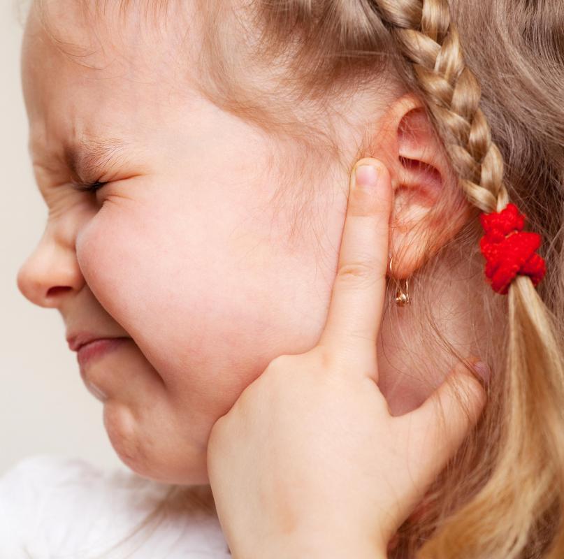 ache adult ear in