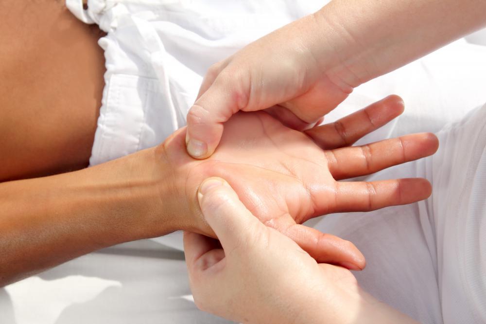 massage pinched nerve