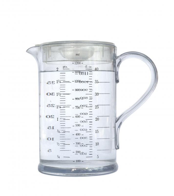 What are Different Types of Measuring Cups? (with pictures)