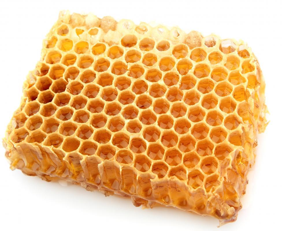 Piece of a honeycomb with manuka honey.