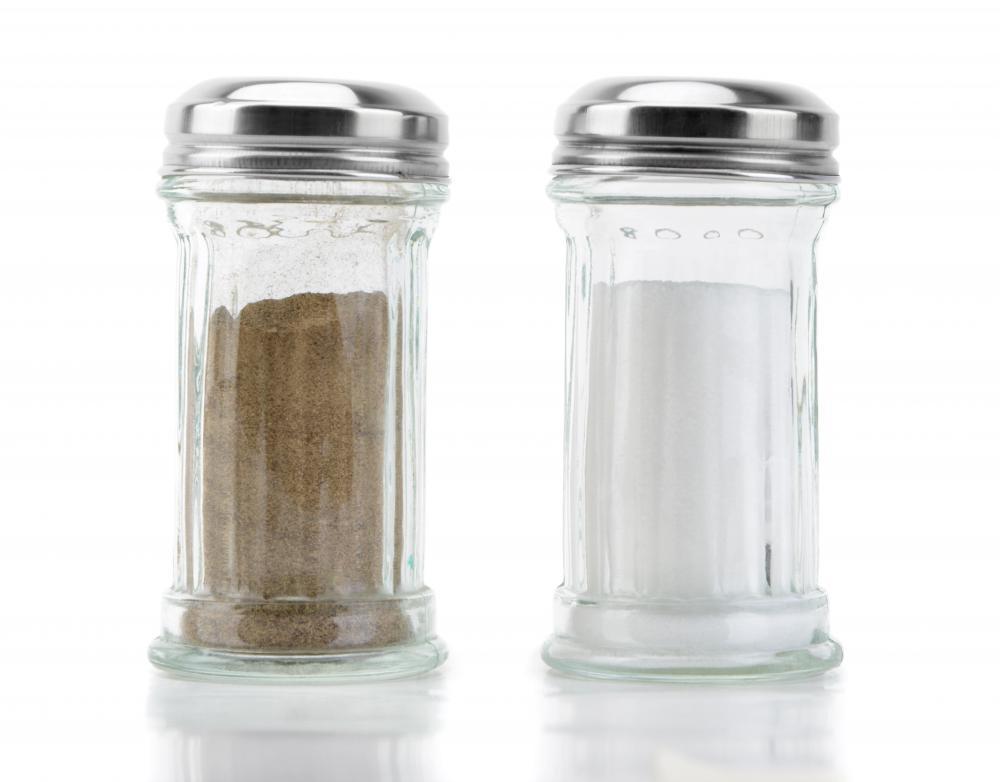 Restaurant Salt And Pepper Shakers Salt Shaker or The Pepper