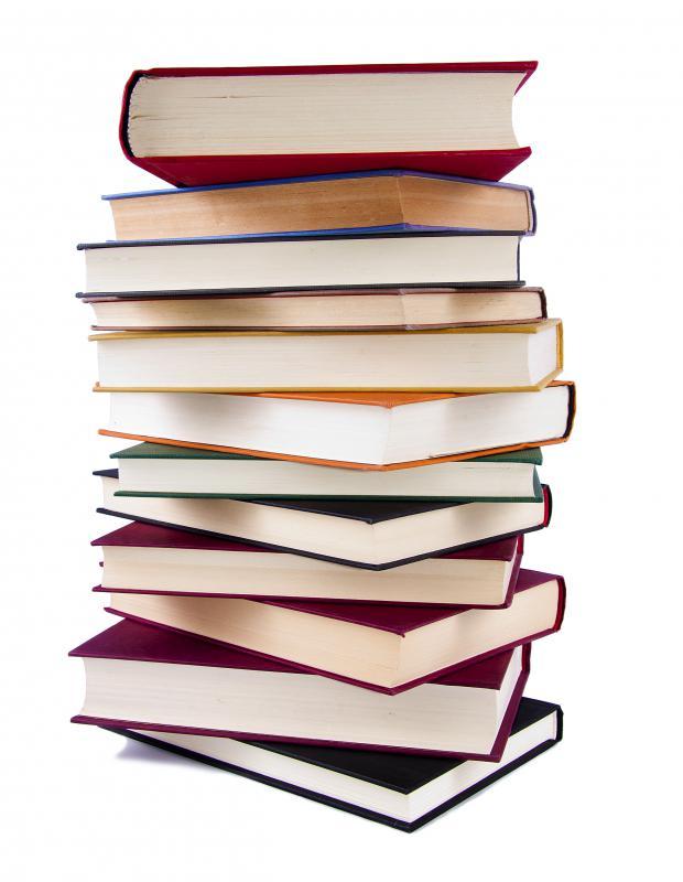 Romandan Beyazperdeye: The Host, The Mortal Instruments, Carrie 1 – stack of novels
