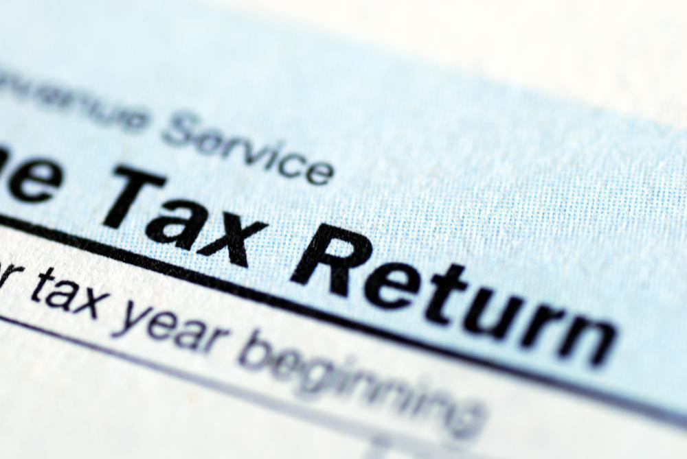 Person Noting Down Tax Return Date[11021008737]| 写真素材 ...
