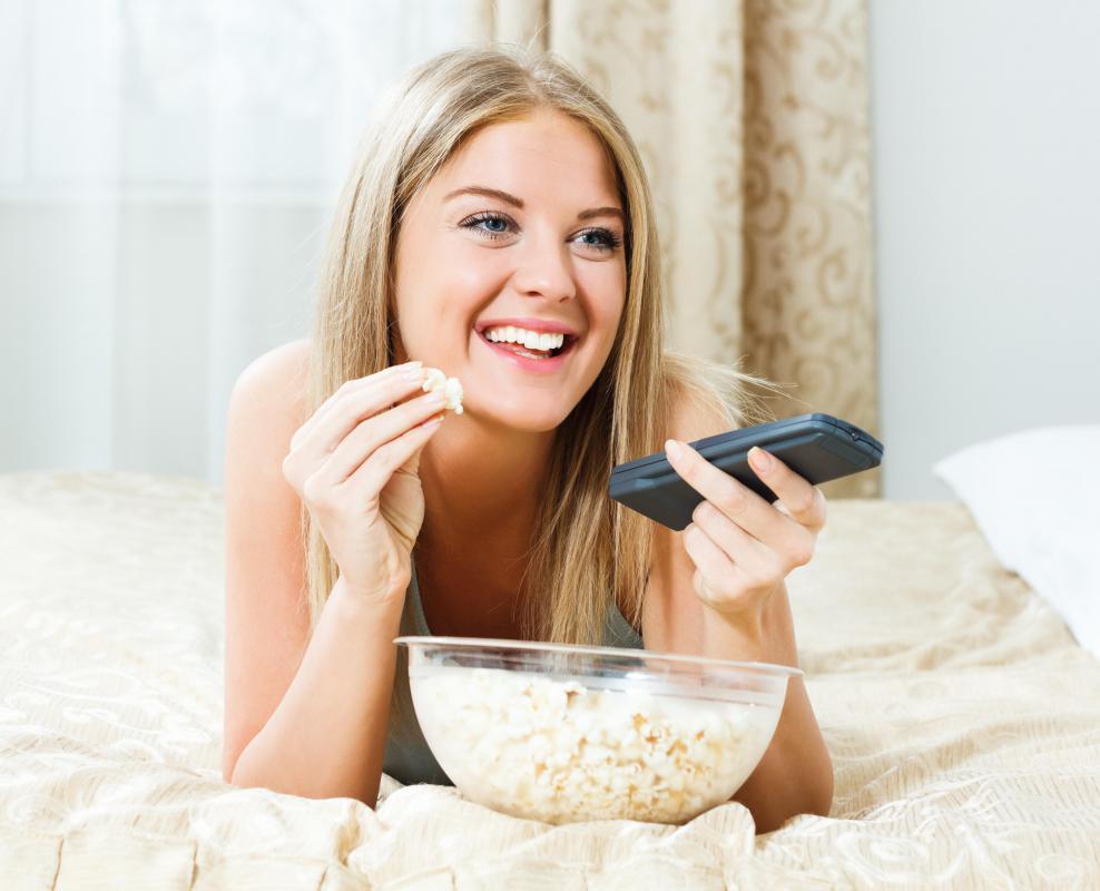 Late Night Snacking Can Cause Night Nausea