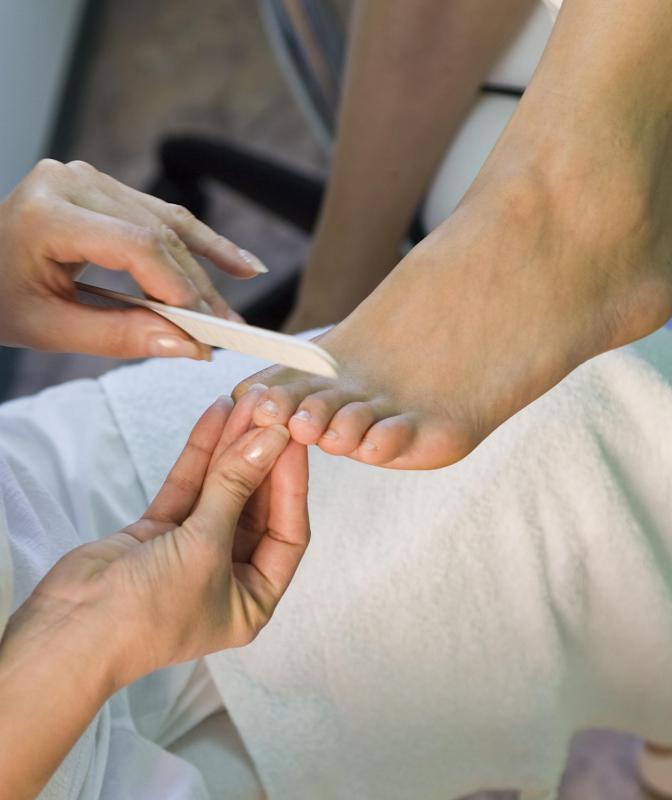 A Nail File May Help Treat Toenail Thickness