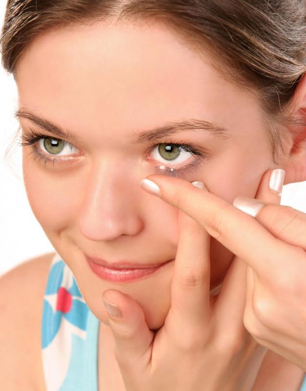 cornea and contact lenses Corneal size does matter in fact, it can turn a simple soft contact lens fitting into a complex clinical puzzle.