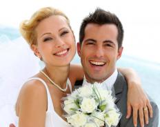 A reliable, well-reviewed photographer should be hired to ensure beautiful wedding pictures.