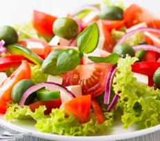 Eating healthy salads can help lower cholesterol.