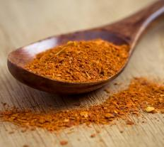 Cayenne pepper is thought to help boost energy, improve circulation and heart health, clear congestion in the sinuses and treat stomach ulcers.