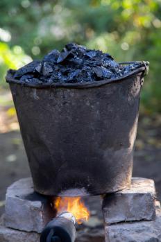 Tar was used to coat fibers to make oakum.